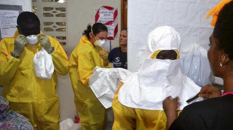Ebola deaths cross 729 in West Africa