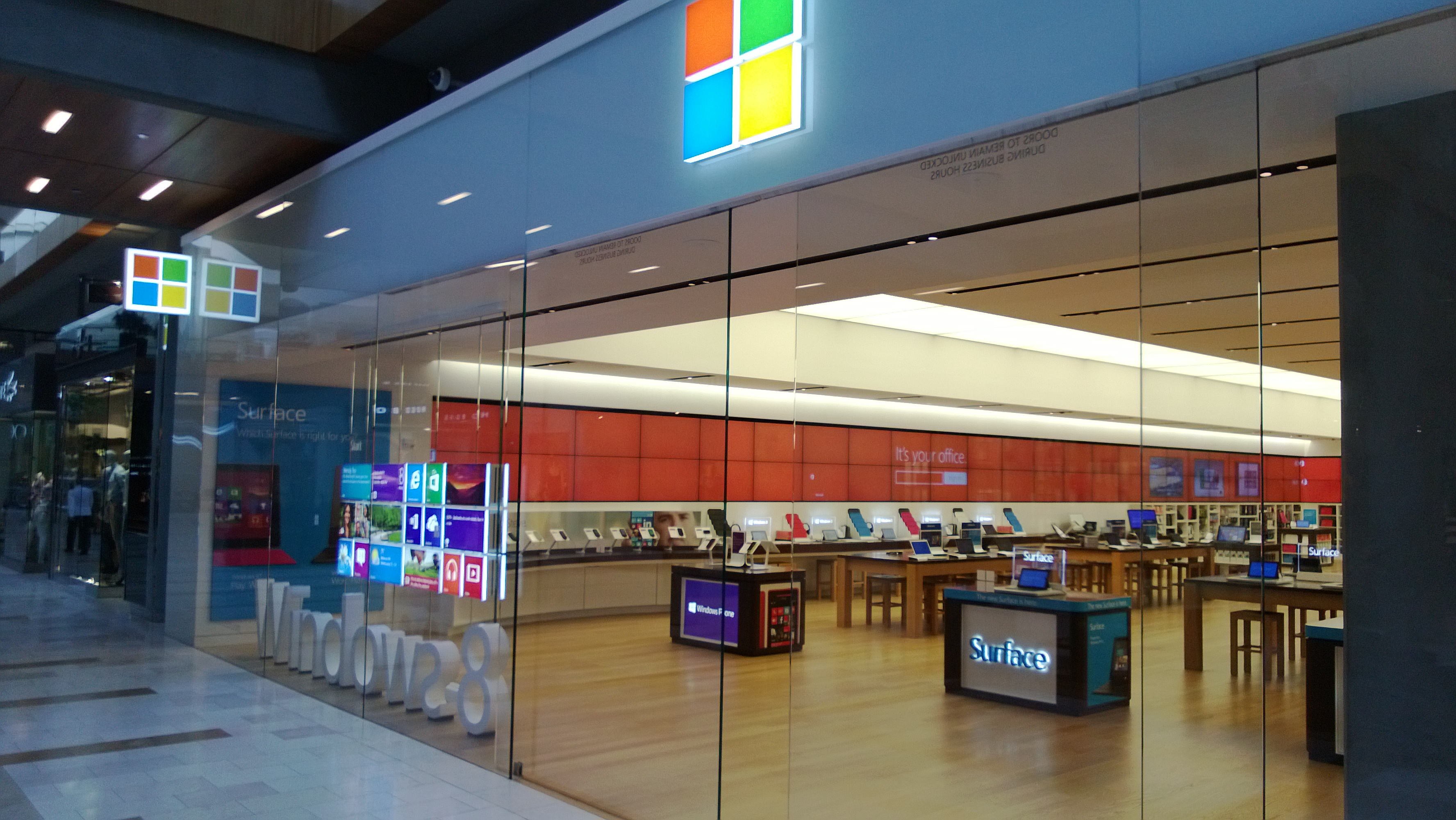 Microsoft opens Store in Fifth Avenue New York, next to ...