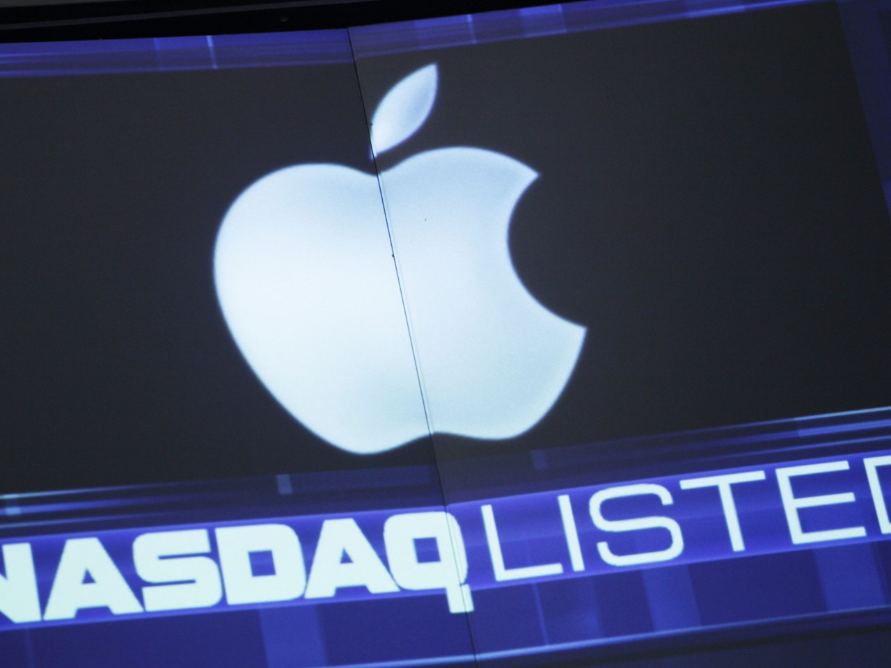 Apple-Wows-Wall-Street-Wednesday1