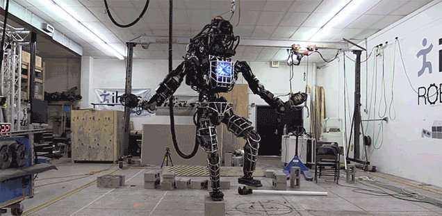 636x311x1112-Atlas-Robot-Ian.jpg.pagespeed.ic.bffqRYf_Nb