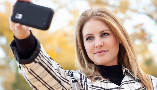selfie-taking-picture