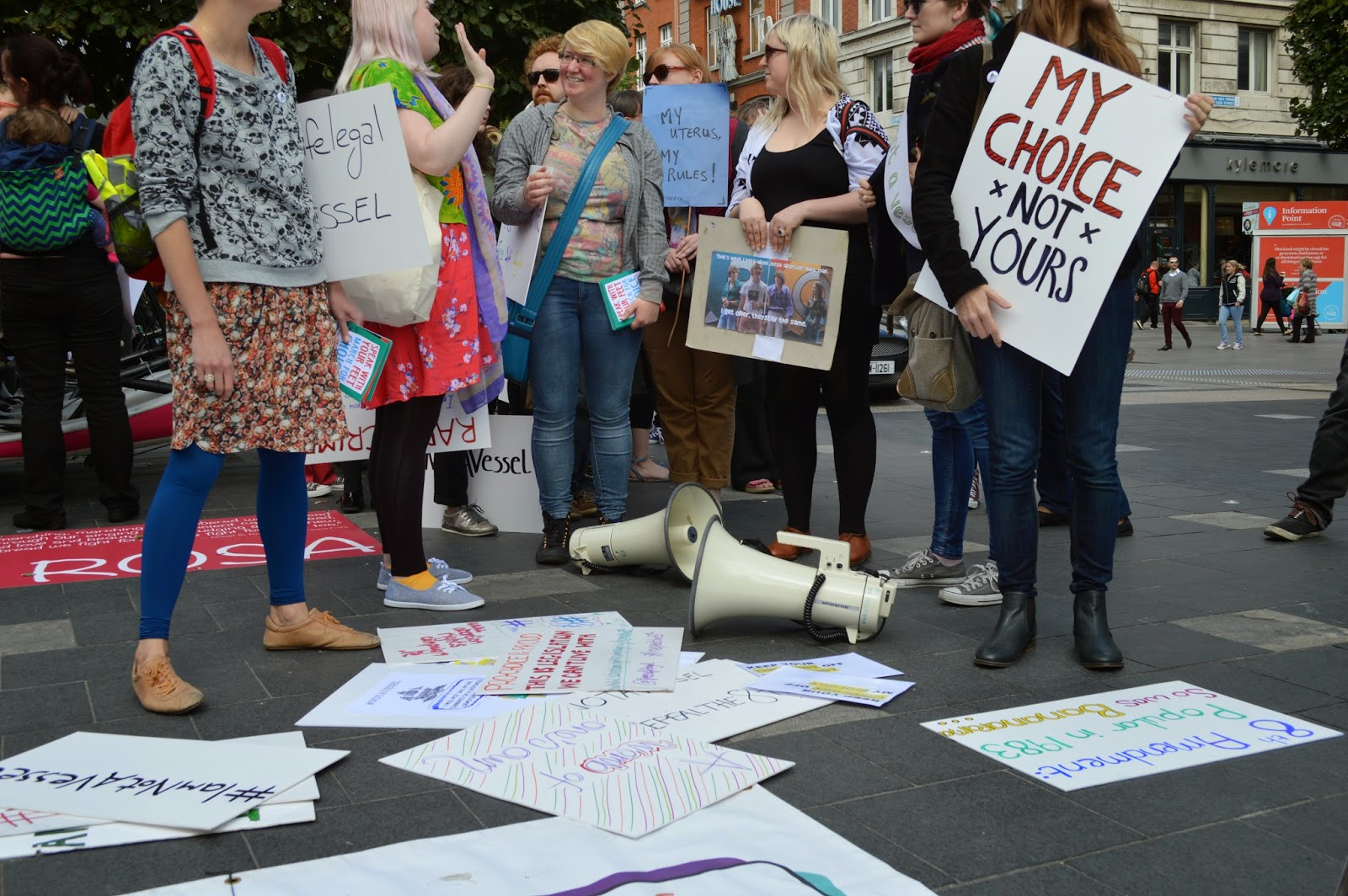 Irish Court allows doctors to take pregnant woman off life support system