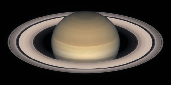 Saturn_by_HST_l