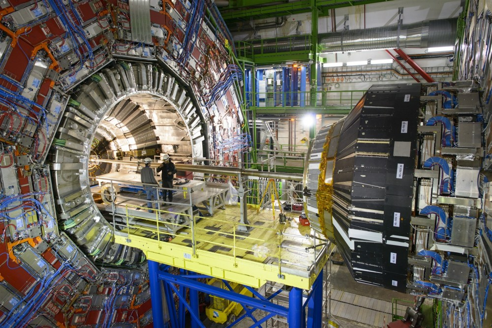A short Circuit delays the restart of CERNs Large Hadron Collider