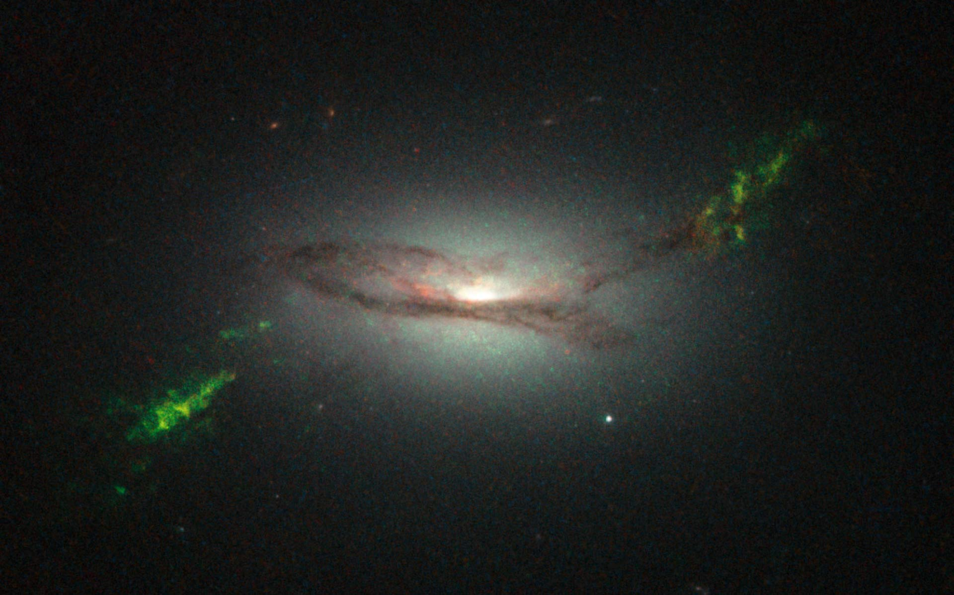 Quasar ghosts spotted in deep space