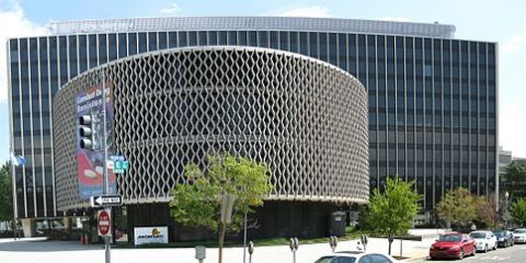 512px-pan_american_health_organization_building-1