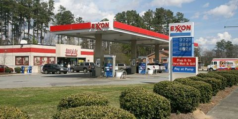 2012-03-13_exxon_with_shop__go_in_durham