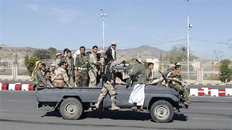 Saudi Jets pound Houthi rebel positions in Yemen