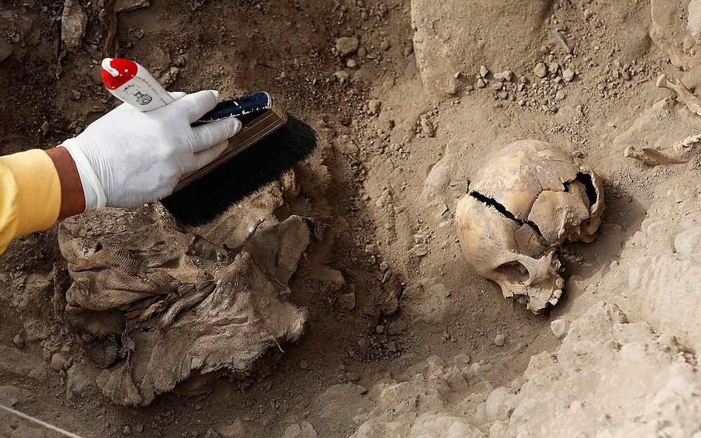 Archaeologists unearth tomb with more than 170 mummies in Peru